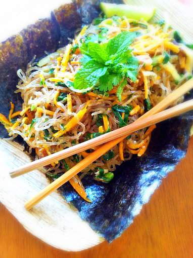 Asian Kelp Noodles (Gluten-Free, Paleo, Vegan) - The Urban Ecolife